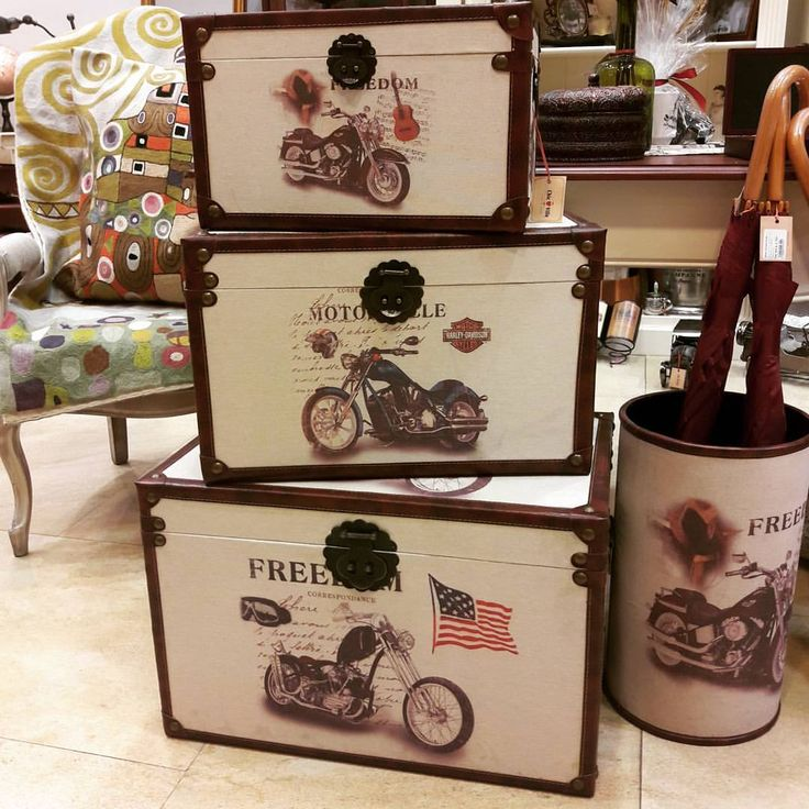 Motorcycle Storage Set - Let the 1950s be the definition of your life!