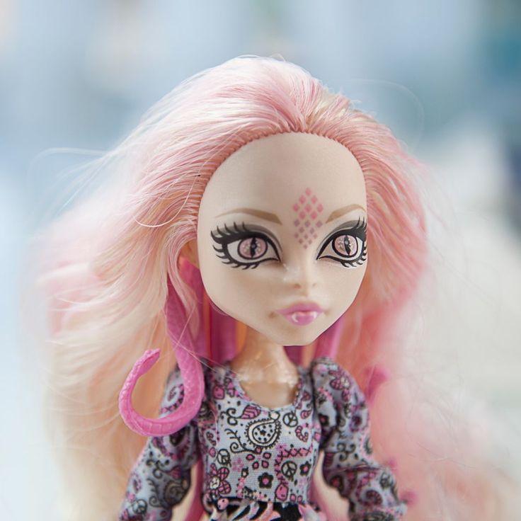 Monster High Doll - Viperine Gorgon