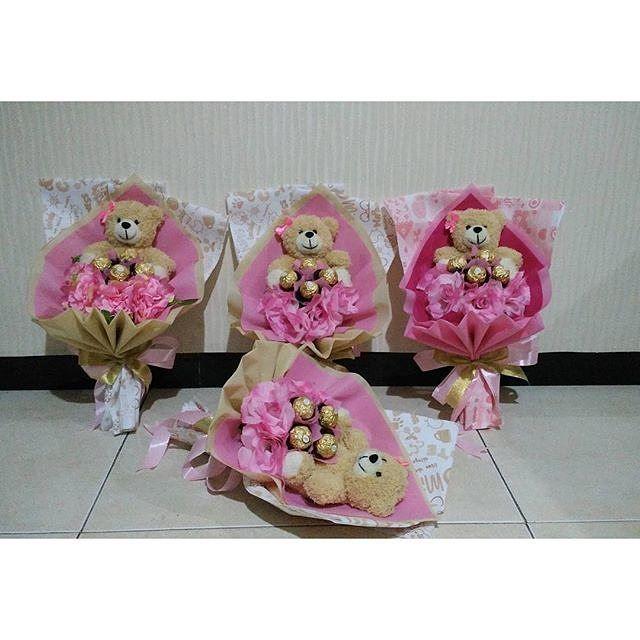 Buket Boneka  coklat  bunga Valentine ONLY 150.000 FREE ONGKIR  Hadirkan kehangatan valentine day dengan buket spesial dari Bless Shop.  Pemesanan 4 hari (tidak bisa mendadak)  jadi buat kalian yg belum mendapatkan hadiah spesial buat valentine silakan dhe di order stock hanya 79 buket.. Grab it fast.. limited edition.. Fast respon :  Line : @WZZ8961A (use @)  Pin BB : 7C9A3715  WA 08561709188 by estermelisaa