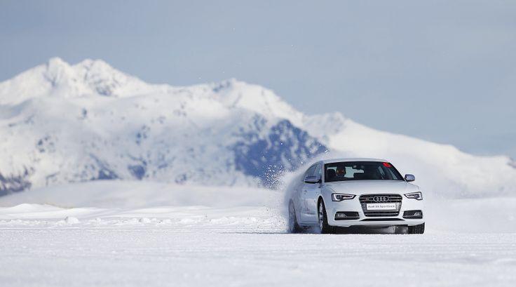Liburan di New Zealand saat winter? Seru banget! Saat winter di New Zealand, Anda bisa mencoba unjuk kebolehan dengan ikutan snow driving, mengendarai mobil keren AUDI di atas salju! http://www.icedriving.co.nz/ #snowdriving #mobil #salju #cool #keren #newzealand #nz #luxurynz #nzmustdo #snowpark #icedrive #audi