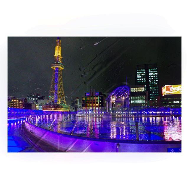 Instagram【sho_mn】さんの写真をピンしています。 《「雨の日のオアシス21」 #picture #pentax #camera #オアシス21 #nagoya #名古屋 #夜景 #view #light #rain #雨 #photo #photography #フィルター越しの私の世界》