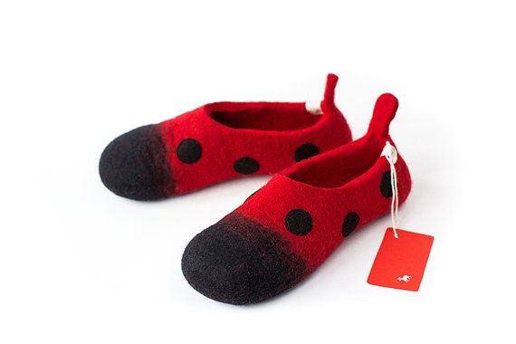 Lady bug women slippers Handmade for order by LittleEwesFriend, €55.00