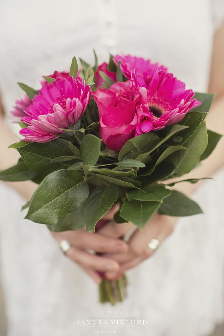 Wedding bouquet and wedding flowers