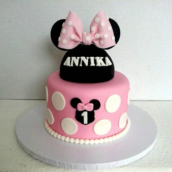 Minnie Mouse inspired fondant cake topper