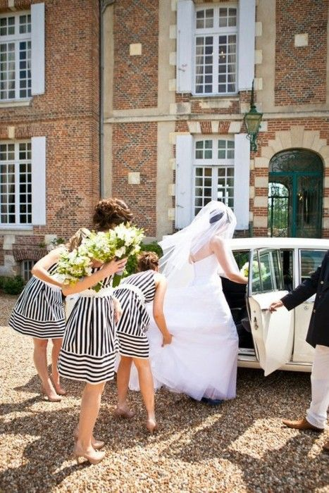 Striped brides maid dresses, cute  foxontherunbride:    (via Weddings / black and white stripes)    OBSESSED WITH THESE BRIDESMAID'S DRESSES. THIS WILL HAPPEN.