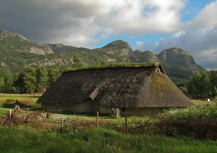 Viking houses perfectly integtated themselves into the surrounding environment, and were made from natural materials like 'wattle and daub' (branches and clay), or turf (peat) sods. Something modern people have fotgotten! Now architecture violates nature, rather than integrating itself into it!