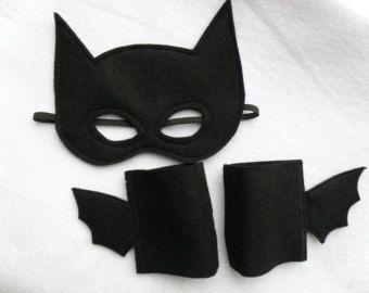 Batman Mask and Cuffs Set