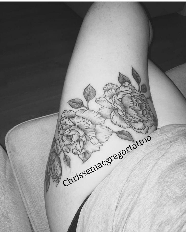Blackwork Peonies I did on Mary-anne #tattoo #glasgow #glasgowart #glasgowtattoo #drawing #tattooart #customtattoo #blackworktattoo #floral #flower #flowertattoo #blackworkflower #floraltattoo #thightattoo #girlytattoo
