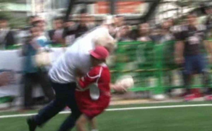 London Mayor, Boris Johnson,  flattens a 10-year-old Japanese schoolboy who tried to tackle him during a Rugby game in Tokyo, October 2015
