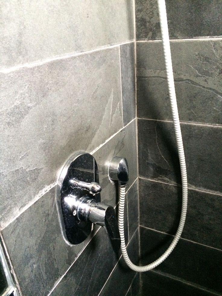 Mando ducha empotrado muro