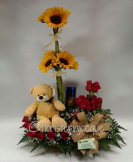 ¿No tienes tiempo para llevar tus flores? No te preocupes! Entregaremos tus ramos por ti, con el mismo amor que lo harías tu mismo. 4486666 Llama ahora mismo.