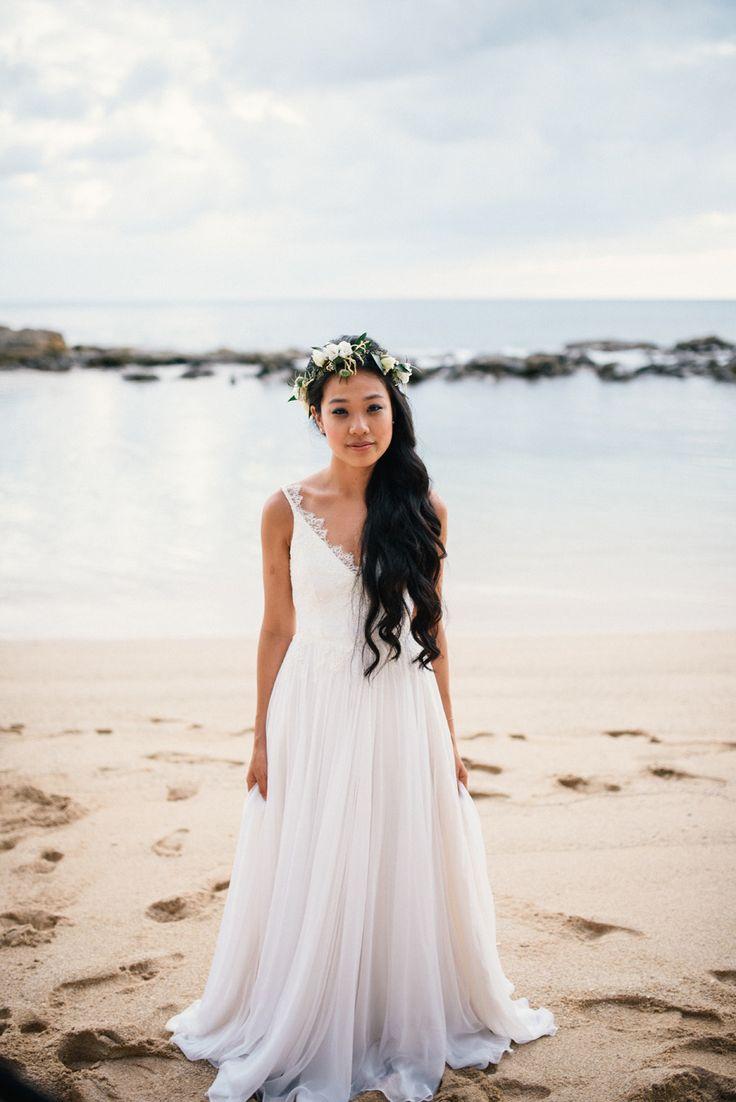 real bridal clients hawaiian wedding dress Blogger Two Red Bowls Laid Back Outdoor Hawaiian Wedding