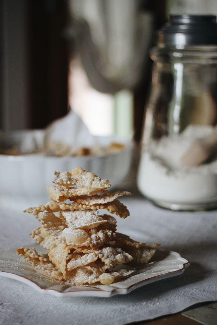 Mardigras. Making Sossole (alias Crostoli / Chiacchiere / Galani).  Keep traditions.   #galani #chiacchiere #carnevale Recipe on my blog https://mikylife.wordpress.com/2012/02/07/sossole-aspettando-carnevale/
