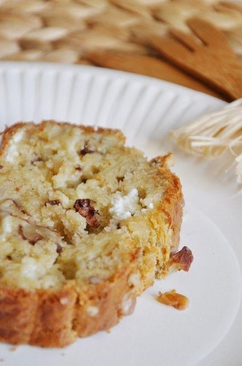 Cake au fromage de chèvre, noix et oignon caramélisé