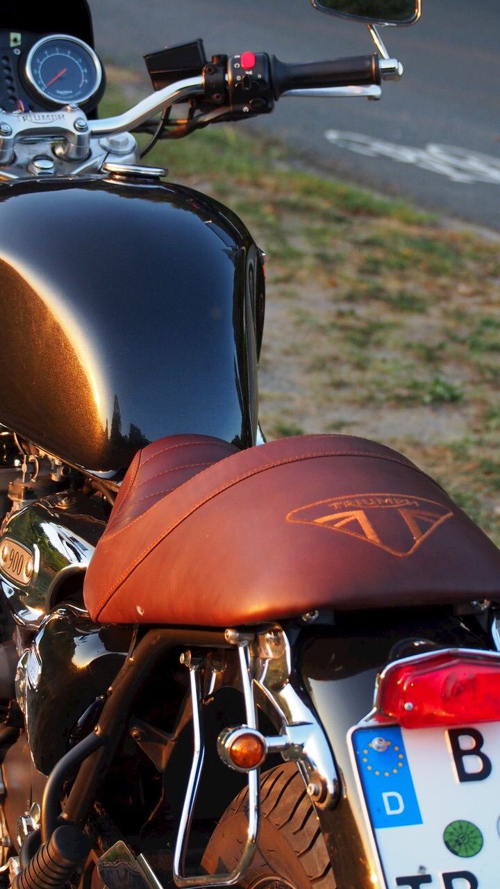 25 b sta triumph thunderbird id erna p pinterest cafe. Black Bedroom Furniture Sets. Home Design Ideas