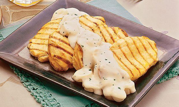 Delícia de frango com um molho mais que especial - Aprenda a preparar essa maravilhosa receita de Filé de frango com molho de palmito