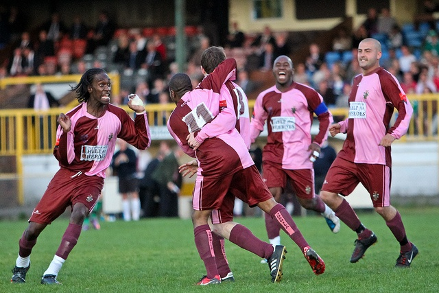 Corinthian-Casuals vs. Leatherhead FC by Stuart Tree, via Flickr