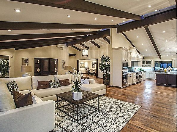 This gorgeous modern california ranch style architectural for Large ranch style homes