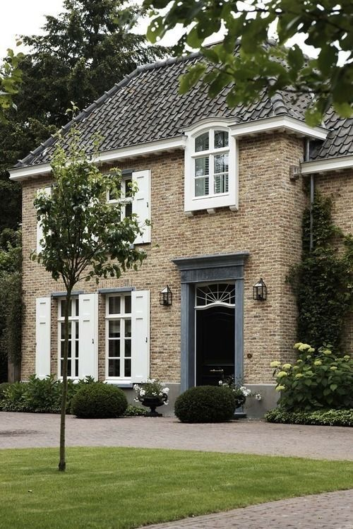 1000 ideas about traditional brick home on pinterest for Traditional brick homes