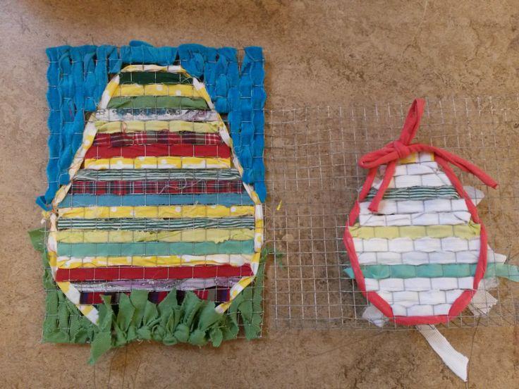 Paasei vlechten met gaas en lint of stroken stof idee van for Gekleurd papier action