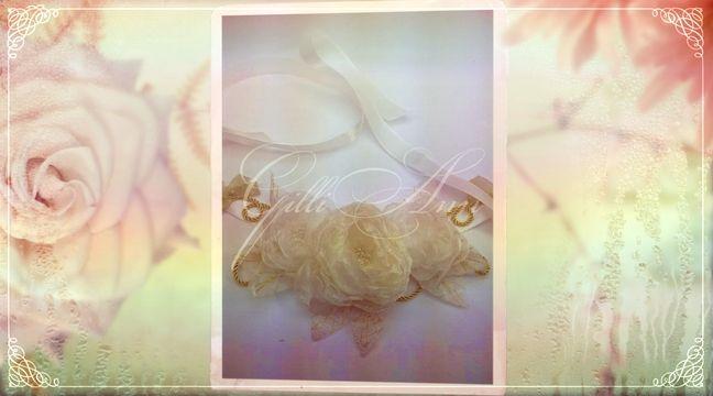 Украшение свадебного шампанского Gilliann Golden Time GLS108 http://www.wedstyle.su/katalog/anniversaries/svadebnye-bokaly/ukrashenija-na/ukrashenija-na-butylki-s-shampanskim-3566