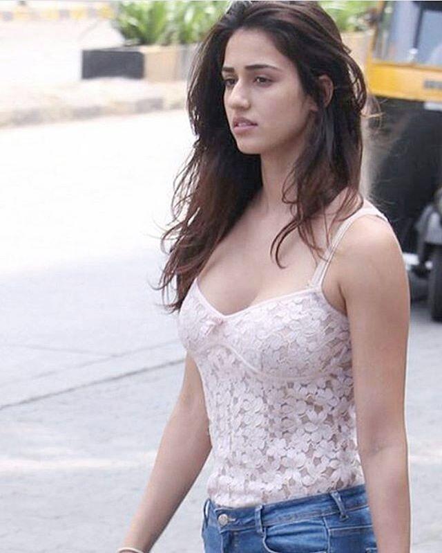 Mujhe Disha 'Patani' h !!  ❤️ Like button torrdo bs ❤️ @dishapatani #dishapatani #bollywood #cute #gorgeous #girl #amazing #hot #awesome #actress #smile #beauty #bollywoodfans #tagyourfriends