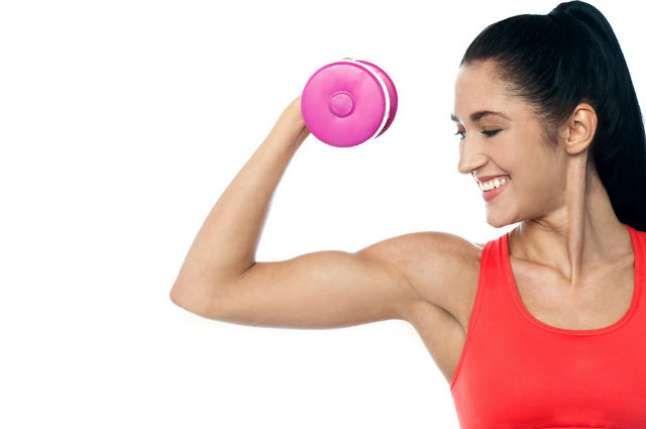 5 exercícios para ter braços fortes e definidos - Lar Natural