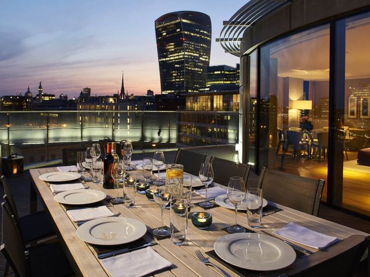 Cheval Three Quays Holiday Apartments London