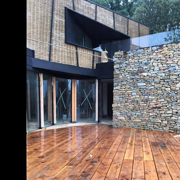 it also rains on the first floor terrace... douglas pine, decking, purnatur.