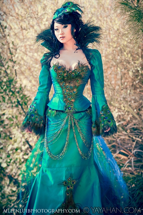 Peacock dress yeahh I would so wear this... like for reall