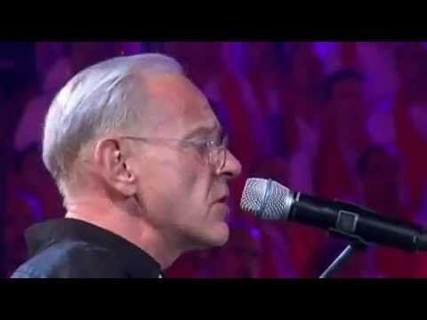 Un homme heureux - William Sheller avec les Fous Chantants d'Alès.avi - YouTube, sublime....