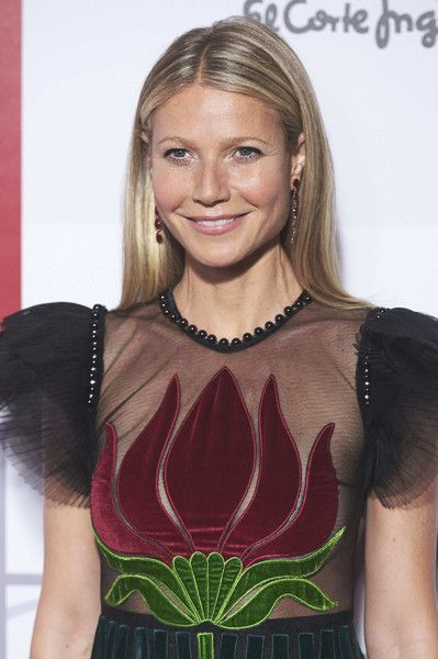 Gwyneth Paltrow Photos Photos - Gwyneth Paltrow attends ELLE Magazine 30th anniversary party at Circulo de Bellas Artes Club on October 26, 2016 in Madrid, Spain. - ELLE 30th Anniversary Party