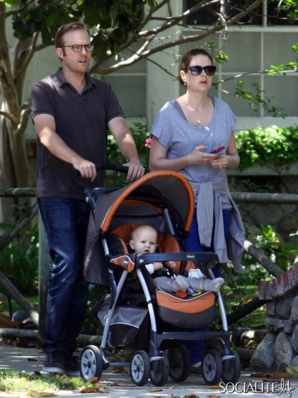 Actress Jenna Fischer and her family went for an early morning stroll in Studio City, California on June 3, 2012. Husband Lee Kirk pushed the stroller with son Weston while Jenna had her morning cup of coffee.