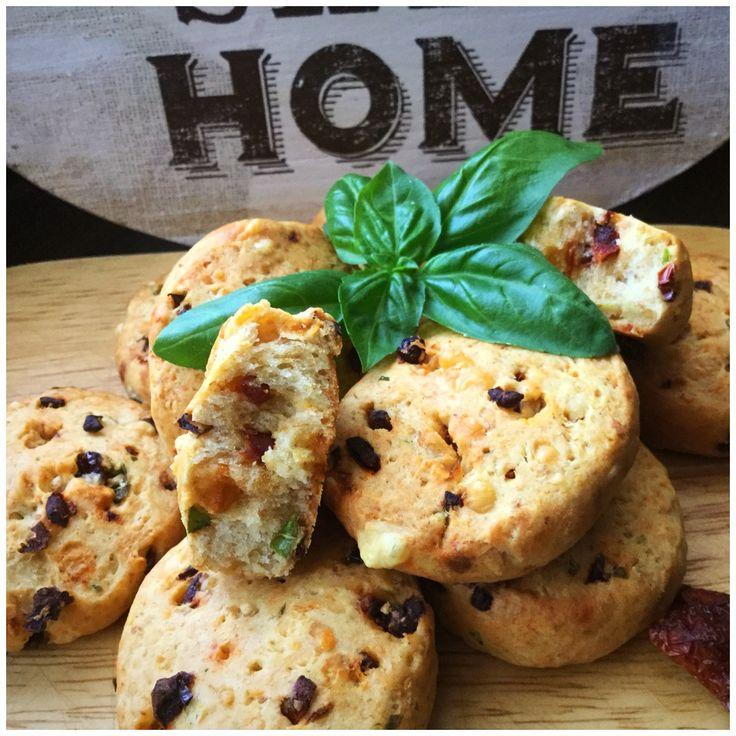 Biscuiți cu roșii uscate, emmentaler si busuioc – My Baby Food