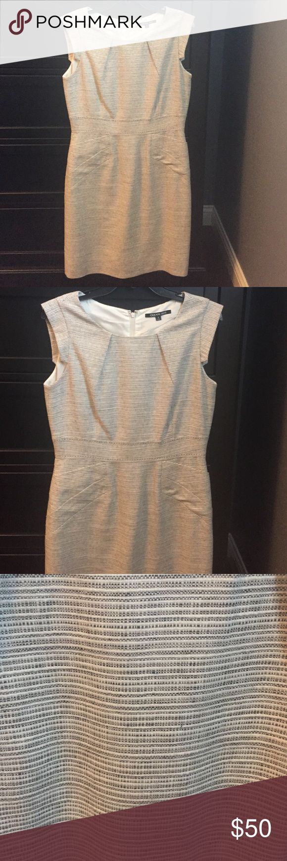 Beautiful Gianni Bini Structured Dress Cap Sleeved, Size 8 Dress with pockets Gianni Bini Dresses Midi