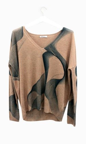 Lebor Gabala knit sweater with print. #arropame #conceptstore #bilbao #fashion #fw15 #NuevaTemporada #OtoñoInvierno #looks #cashmere
