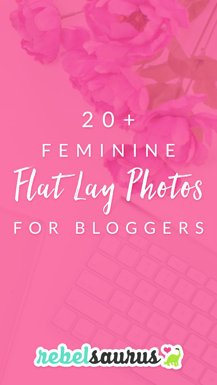 I'm obsessed with the trend of these gorgeous, feminine flat lay photos that lots of bloggers and online entrepreneurs are using these days for blog post images and social media promo images. They're perfect for creating beautiful branding on your website and online presence. Some people even fill their whole Instagram feed with styled feminine stock photos! #flatlay #styledstock #styledstockphoto #femininestockphoto #girlystockphoto