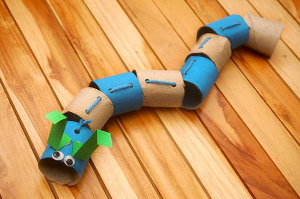 18 caterpillar paper roll crafts http://hative.com/homemade-animal-toilet-paper-roll-crafts/