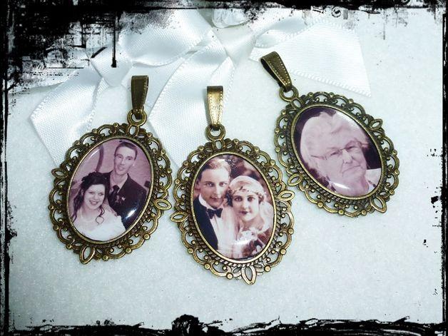 **Personalisierter Brautstrauß-Anhänger.Bronzefarbiger Anhänger mit ihren Foto.Für ihren Brautstrauß zum Einhängen. Ein Andenken,Erinnerung an einen lieben Verwandten,Hochzeitsfoto der...