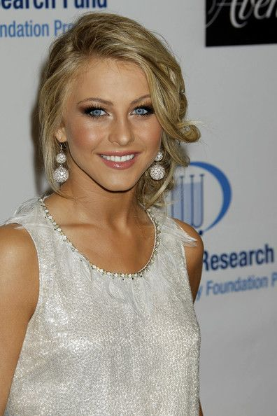 more pics of julianne hough pinned up ringlets updo an
