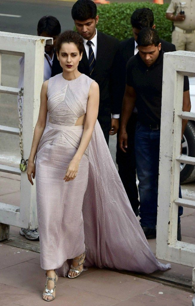 Sensational 124 Best Images About Kangana Ranaut On Pinterest Saree Couture Hairstyle Inspiration Daily Dogsangcom