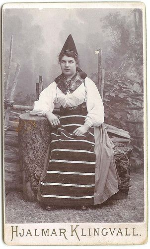 Woman in Swedish folk costume from Rättvik