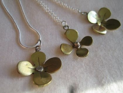 Flower necklace | Felt