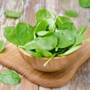Les aliments qui suivent combattent les ongles secs et cassants pour les renforcer, les rendre brillants et beaux de nouveau.