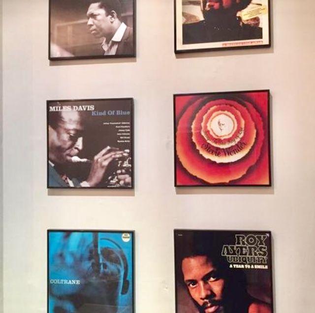 Frame old vinyl records