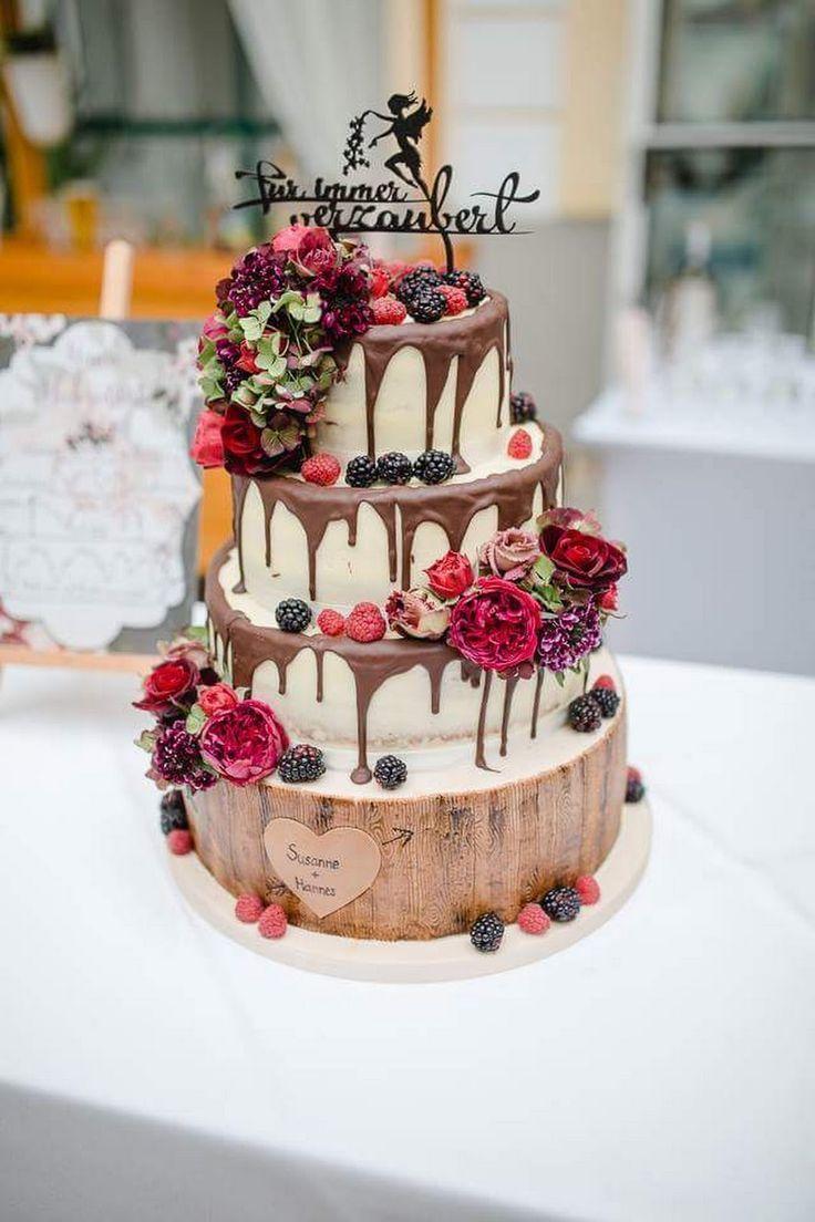 Semi Naked Wedding Cake mit frischen Blumen und Beeren Drip Cake Wood Birgit   – Hochzeitstorte