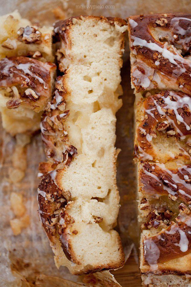 Ciasto drożdżowe z prażonymi jabłkami