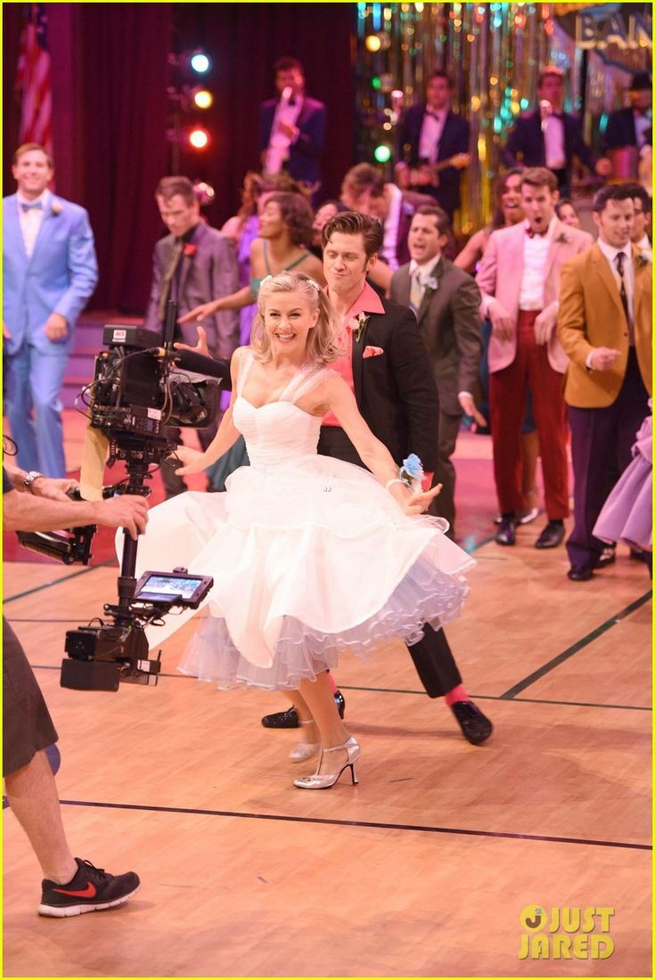 Grease: Live's Sandy: Julianne Hough Writes Sweet Note Before Tonight's Show!: Photo #3565622. Julianne Hough will be playing the iconic role of Sandy in tonight's production of Grease: Live on Fox and we can't wait to see her shine on screen!    The 27-year-old…