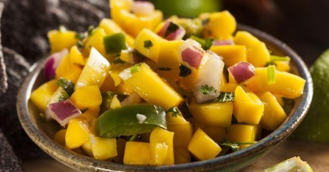 10 desserts light recommandés par LeDiet Salade d'ananas et mangue au piment (4) | Fourchette & Bikini