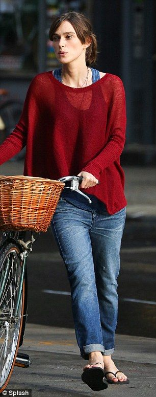 Love the sweater, colours, and her :). One of my favorite actors!